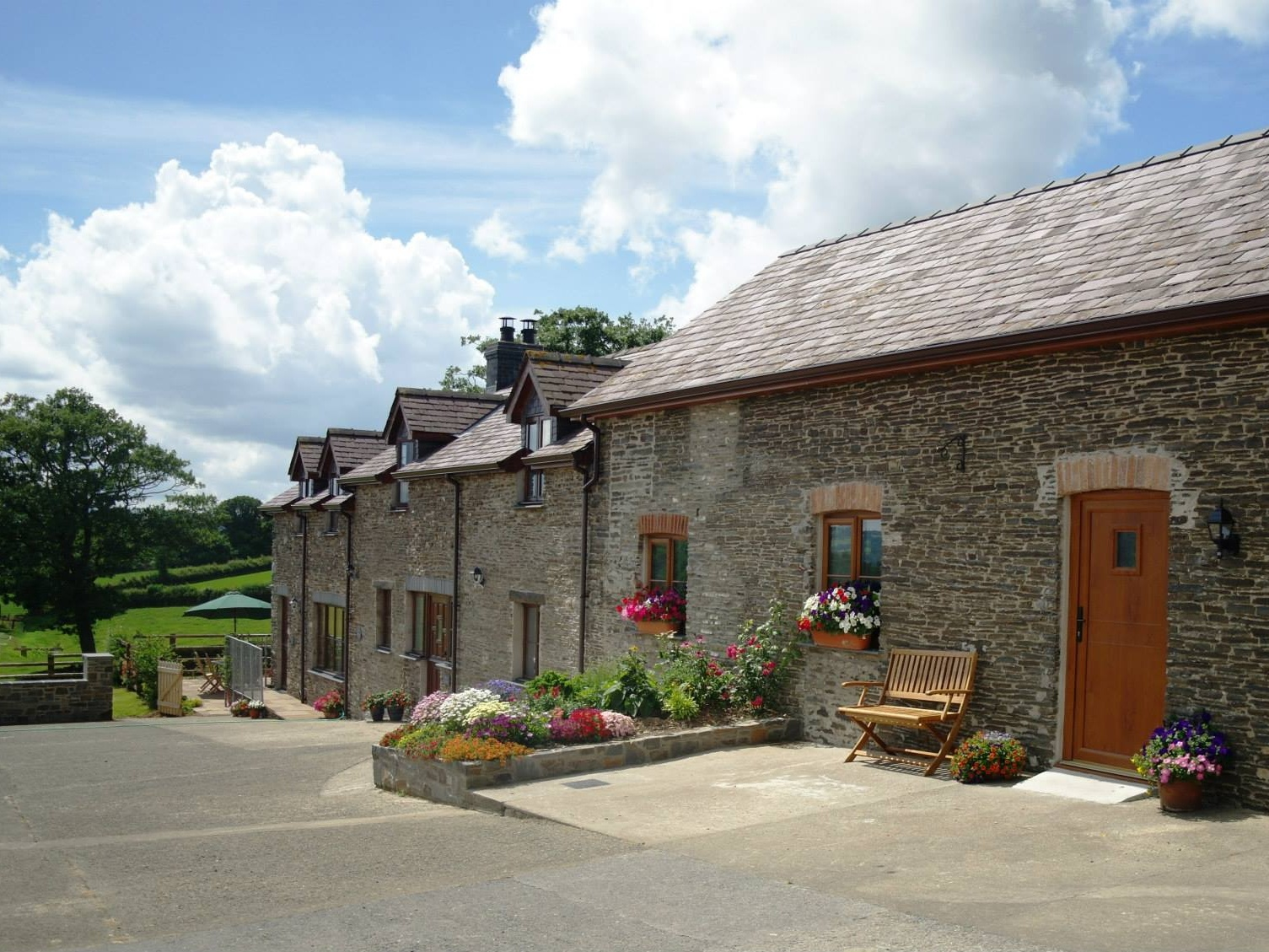 Contact Gwarffynnon, Holiday Cottages in Lampeter, Wales